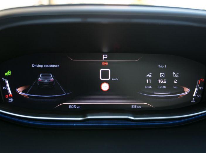 Peugeot 3008: tutti gli allestimenti, i motori ed i prezzi - Foto 11 di 29