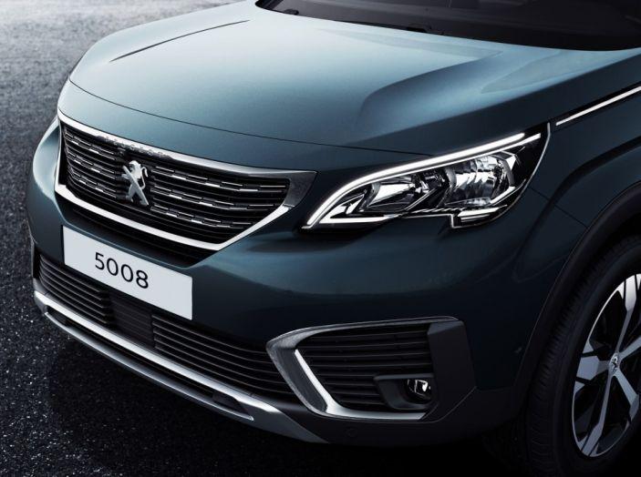 Peugeot 5008, la nostra prova: Il SUV per la famiglia - Foto 10 di 15