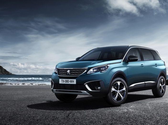 Peugeot 5008, la nostra prova: Il SUV per la famiglia - Foto 1 di 15