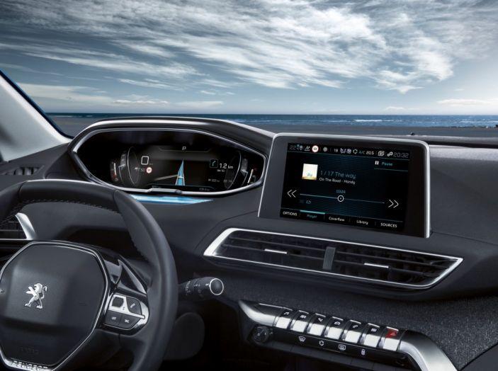 Peugeot 5008, la nostra prova: Il SUV per la famiglia - Foto 2 di 15