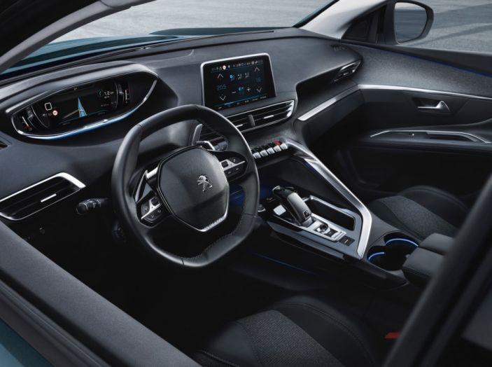 Peugeot 5008, la nostra prova: Il SUV per la famiglia - Foto 3 di 15