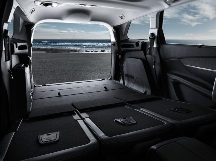 Peugeot 5008, la nostra prova: Il SUV per la famiglia - Foto 4 di 15