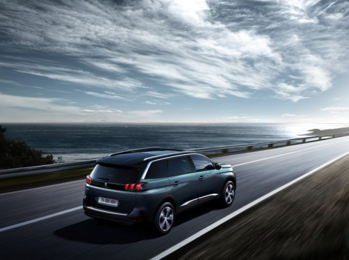 Peugeot 5008, la nostra prova: Il SUV per la famiglia - Foto 6 di 15