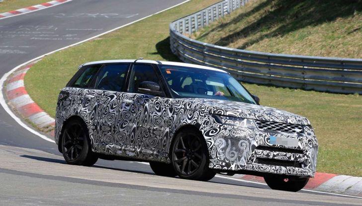 Range Rover Sport SVR prime foto spia dei test al Nurburgring - Foto 7 di 14