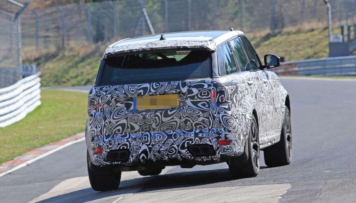 Range Rover Sport SVR prime foto spia dei test al Nurburgring - Foto 11 di 14