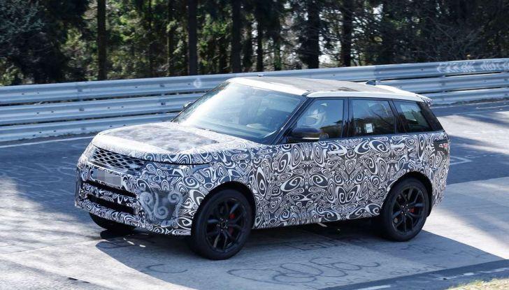 Range Rover Sport SVR prime foto spia dei test al Nurburgring - Foto 14 di 14