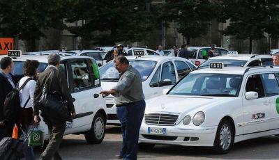 Sciopero nazionale taxi 23 marzo: informazioni utili, orari e servizi garantiti