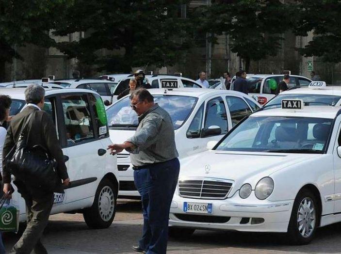 Sciopero nazionale taxi 23 marzo: informazioni utili, orari e servizi garantiti - Foto 1 di 8