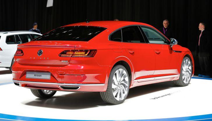 Volkswagen Arteon, la fastback che arriva da Wolfsburg - Foto 21 di 37