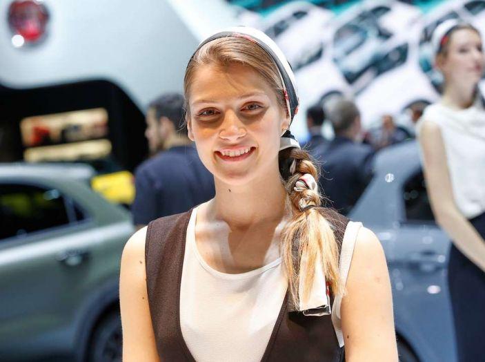 Salone di Ginevra 2017: le ragazze più belle in una gallery - Foto 9 di 21