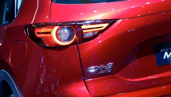 Mazda CX-5 2017: il nuovo SUV coupé in stile Kodo - Foto 5 di 19