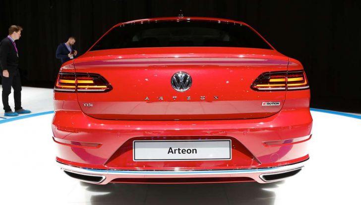 Volkswagen Arteon, la fastback che arriva da Wolfsburg - Foto 25 di 37