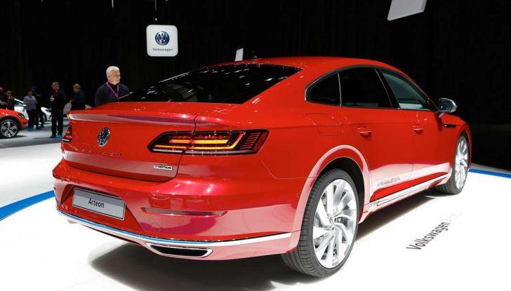 Volkswagen Arteon, la fastback che arriva da Wolfsburg - Foto 27 di 37