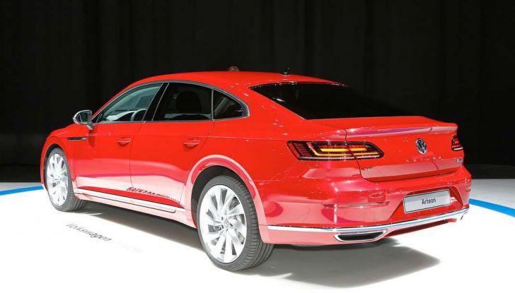 Volkswagen Arteon, la fastback che arriva da Wolfsburg - Foto 33 di 37