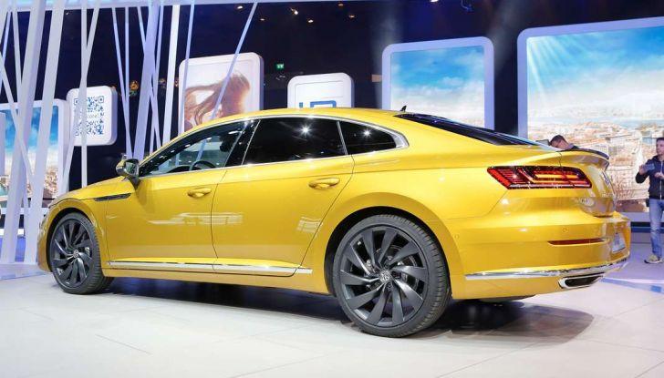 Volkswagen Arteon, la fastback che arriva da Wolfsburg - Foto 8 di 37