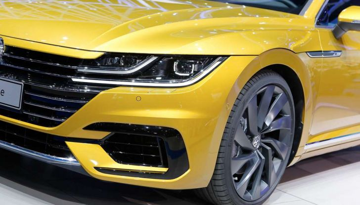 Volkswagen Arteon, la fastback che arriva da Wolfsburg - Foto 3 di 37
