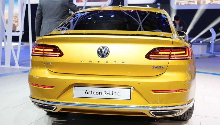 Volkswagen Arteon, la fastback che arriva da Wolfsburg - Foto 13 di 37