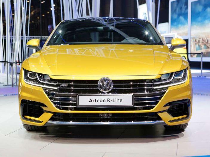 Volkswagen Arteon, la fastback che arriva da Wolfsburg - Foto 11 di 37