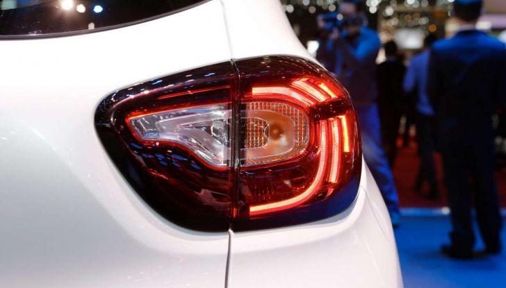 Nuova Renault Captur, il restyling debutta a Ginevra - Foto 8 di 11