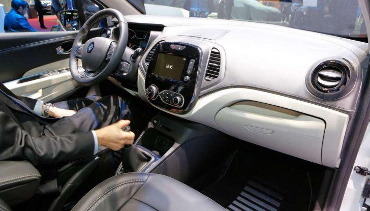 Nuova Renault Captur, il restyling debutta a Ginevra - Foto 9 di 11