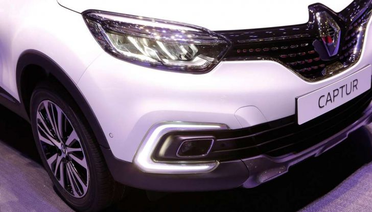 Nuova Renault Captur, il restyling debutta a Ginevra - Foto 2 di 11