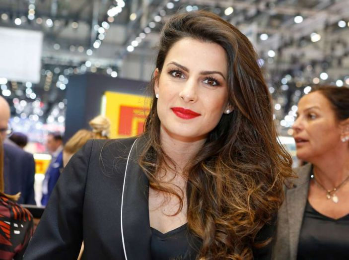 Salone di Ginevra 2017: le ragazze più belle in una gallery - Foto 14 di 21