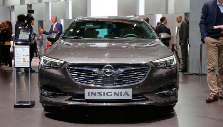 Nuova Opel Insignia Grand Sport 2017 informazioni, motori e allestimenti - Foto 2 di 11