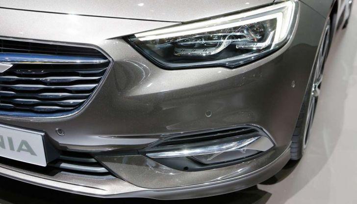 Nuova Opel Insignia Grand Sport 2017 informazioni, motori e allestimenti - Foto 6 di 11