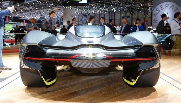 Aston Martin Valkyrie - Foto 9 di 12