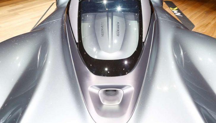 Aston Martin Valkyrie con vernice fatta di polvere lunare! - Foto 10 di 12