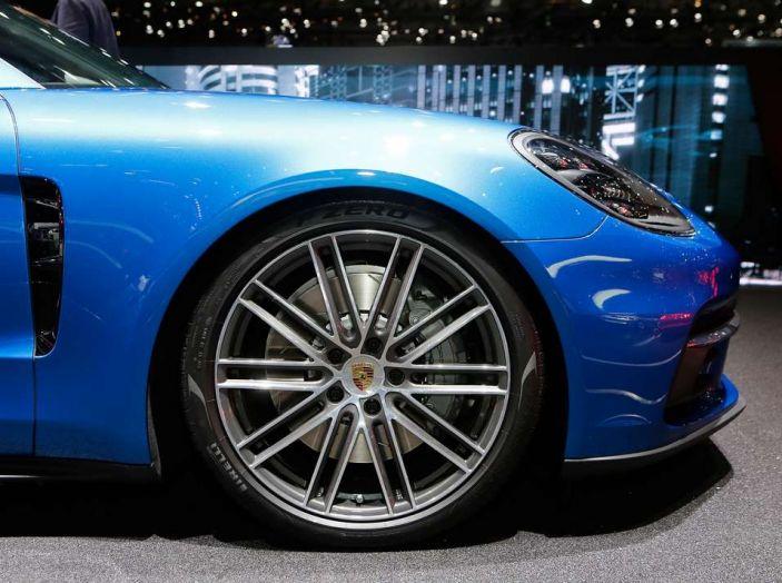 Porsche Panamera Sport Turismo, velocità d'elite - Foto 4 di 9