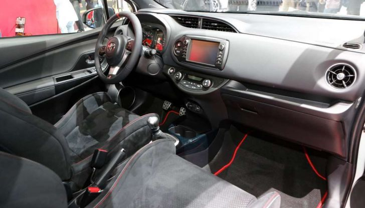 Toyota Yaris restyling 2017 - Foto 2 di 28