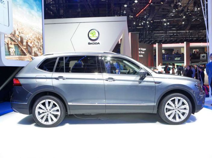 Volkswagen Tiguan Allspace: 4Motion, sette posti e DSG - Foto 4 di 13