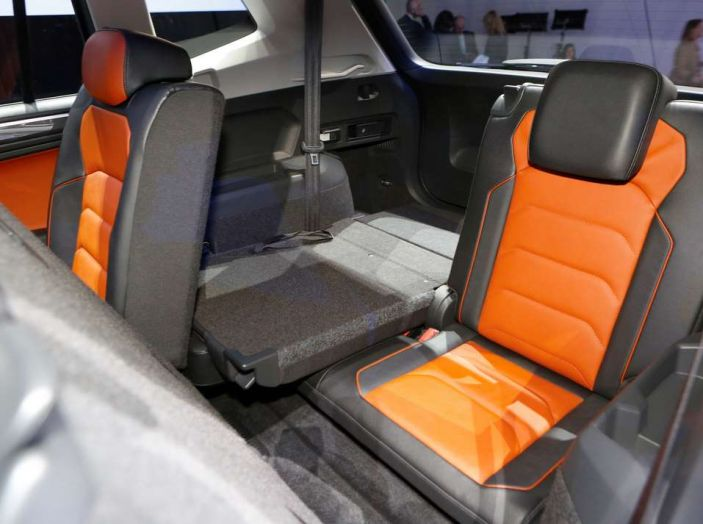 Volkswagen Tiguan Allspace: 4Motion, sette posti e DSG - Foto 8 di 13