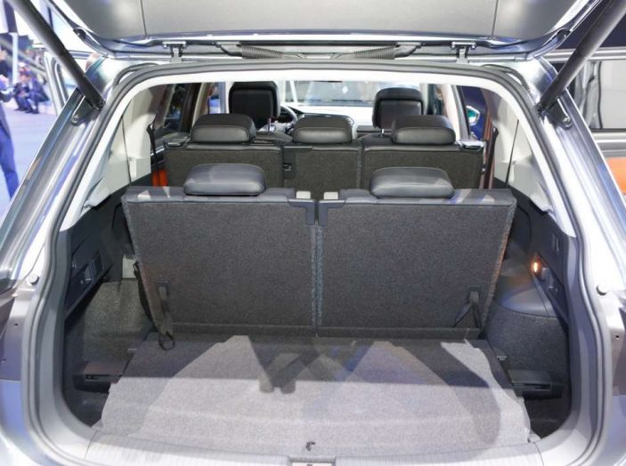 Volkswagen Tiguan Allspace: 4Motion, sette posti e DSG - Foto 10 di 13