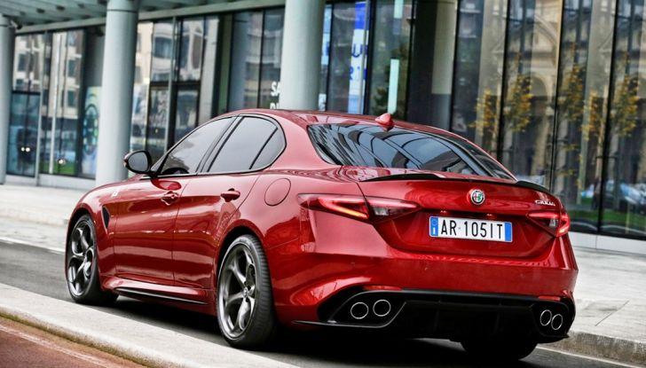 Alfa Romeo Giulia e Stelvio Sport-Tech, nuovo allestimento sportivo - Foto 8 di 12