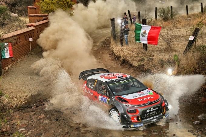 Le CITROËN C3 WRC infiammano Città del Messico - Foto 3 di 5