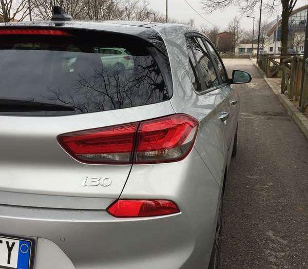 Nuova Hyundai i30, la prova su strada del T-GDI da 140CV - Foto 10 di 22