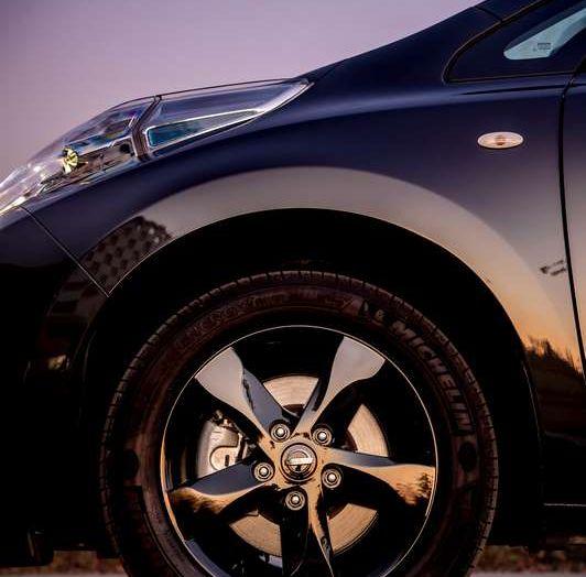 Nuova Nissan LEAF Black Edition, al via le vendite - Foto 3 di 4