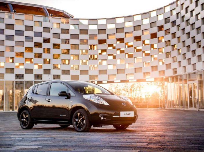 Nuova Nissan LEAF Black Edition, al via le vendite - Foto 1 di 4