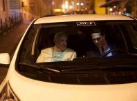 Papa Francesco si muove con Nissan LEAF, auto 100% elettrica