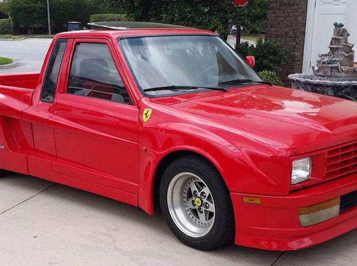 Il pickup Toyota che pensa di essere una Ferrari - Foto 1 di 5
