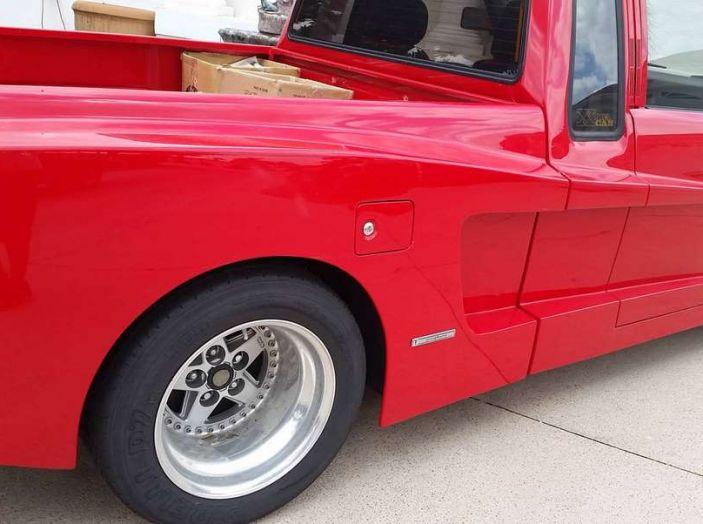 Il pickup Toyota che pensa di essere una Ferrari - Foto 4 di 5