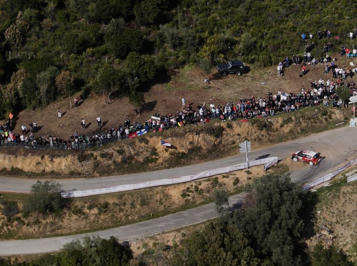WRC Corsica – Giorno 2 – Craig Breen resta in corsa per il podio. - Foto 1 di 3
