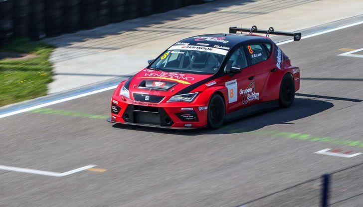 Seat Leon Cupra ST provata in pista a Franciacorta - Foto 33 di 57