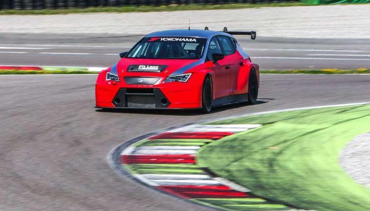 Seat Leon Cupra ST provata in pista a Franciacorta - Foto 19 di 57
