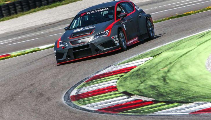 Seat Leon Cupra ST provata in pista a Franciacorta - Foto 14 di 57