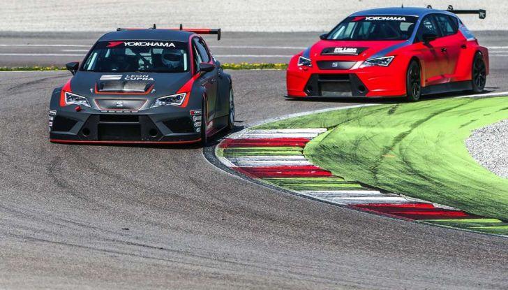 Seat Leon Cupra ST provata in pista a Franciacorta - Foto 10 di 57