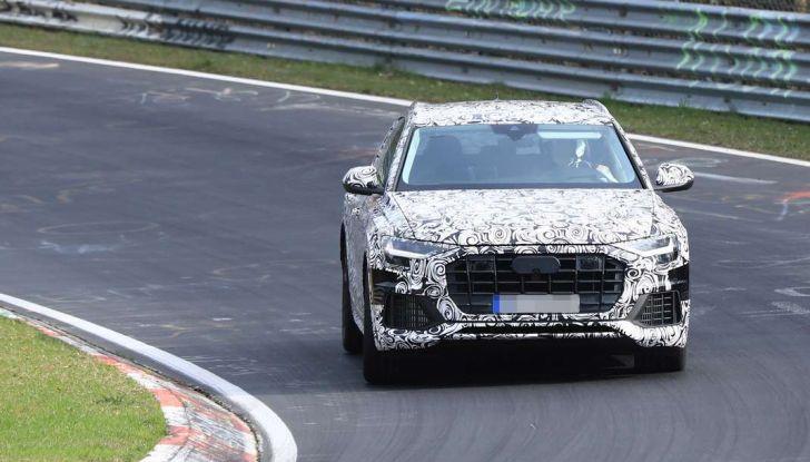 Audi Q8: i test drive del SUV proseguono al Nurburgring - Foto 4 di 8
