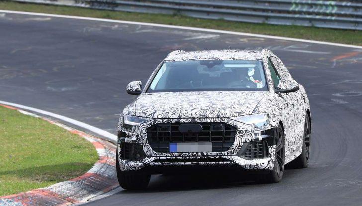 Audi Q8: i test drive del SUV proseguono al Nurburgring - Foto 5 di 8